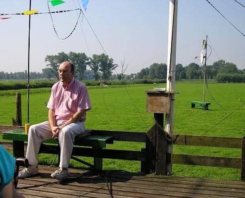 Bert PE1DHR wacht op de genodigden