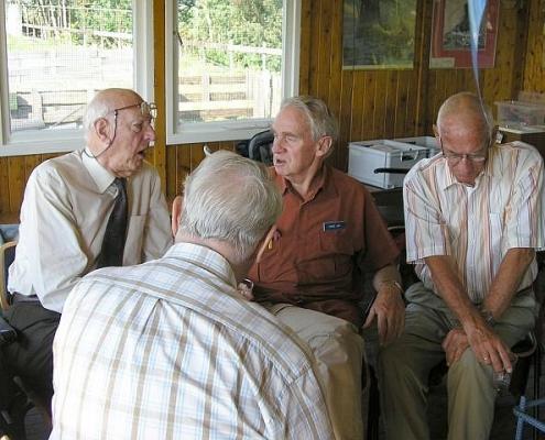 De oldtimers Jaap PAøIF, Jan PAøGE, Wietse PAøPSO en de achterzijde van Frans PAøLIZ