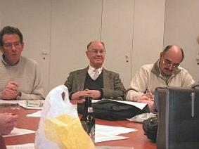 V.l.n.r. Voorzitter, Penningmeester en nieuwbakken secretaris
